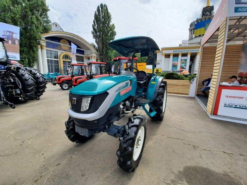 Китайско-итальянский трактор Arbos P 504 S