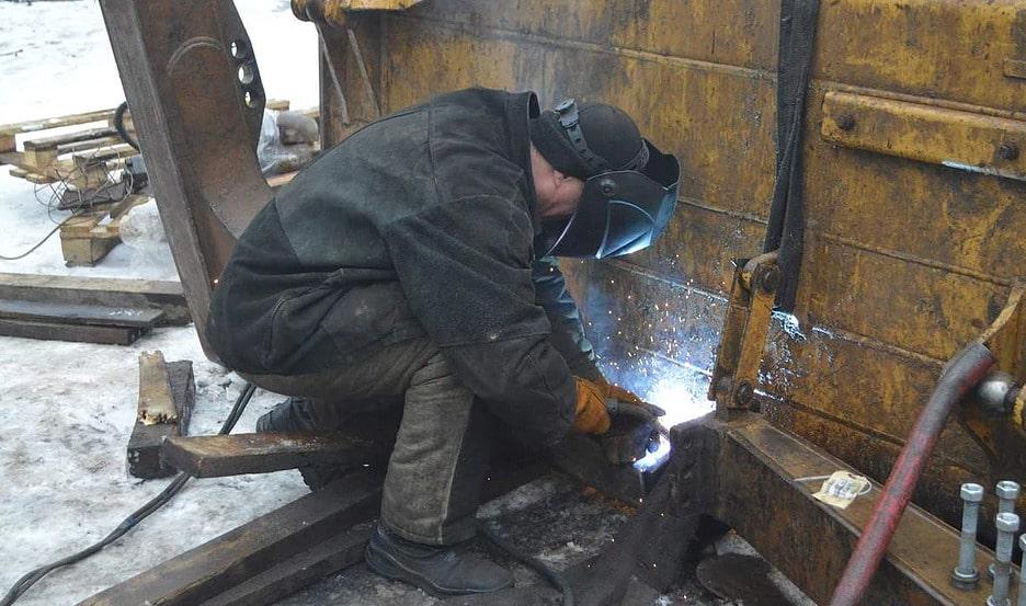 Восстановление втулок и пальцев отвала бульдозера